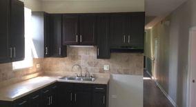 Similar Apartment at 8411 S Escanaba Ave