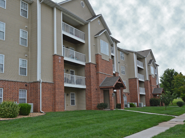 Apartments Near Drury Coryell Crossing for Drury University Students in Springfield, MO