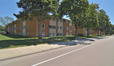 Similar Apartment at Lyndale Garden Apartments