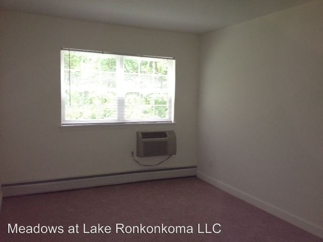 2 Bedrooms 1 Bathroom Apartment for rent at 100 Ronkonkoma Ave. in Lake Ronkonkoma, NY