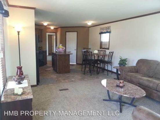 3 Bedrooms 2 Bathrooms Apartment for rent at 2621 Aspen St Office in Middletown, OH