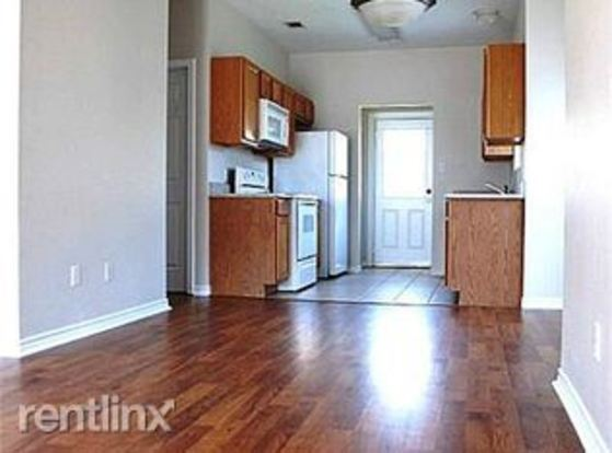 3 Bedrooms 3 Bathrooms House for rent at 1504 Maglothin Ct in Bryan, TX