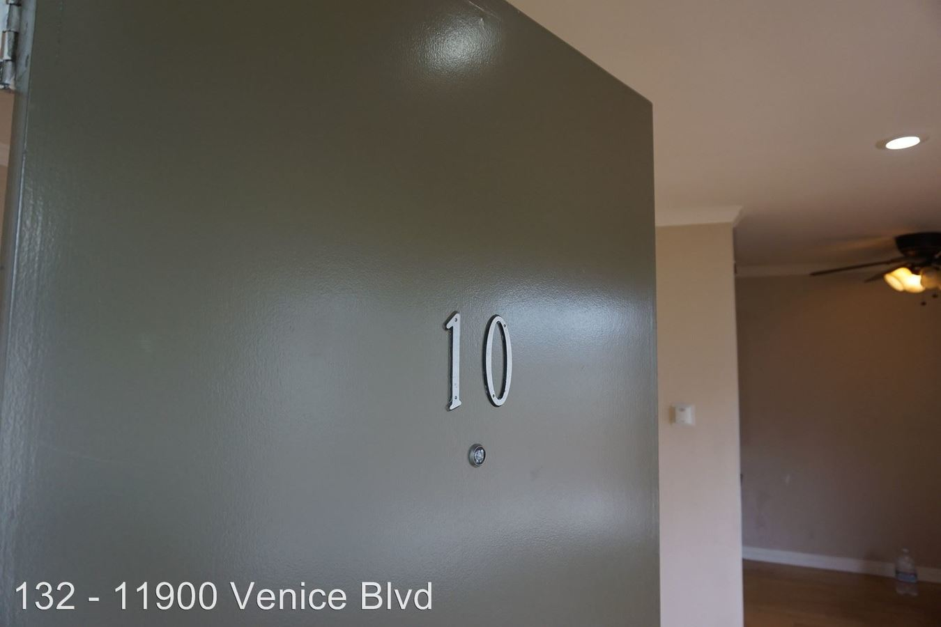 2 Bedrooms 1 Bathroom Apartment for rent at 11900 Venice Blvd. in Los Angeles, CA