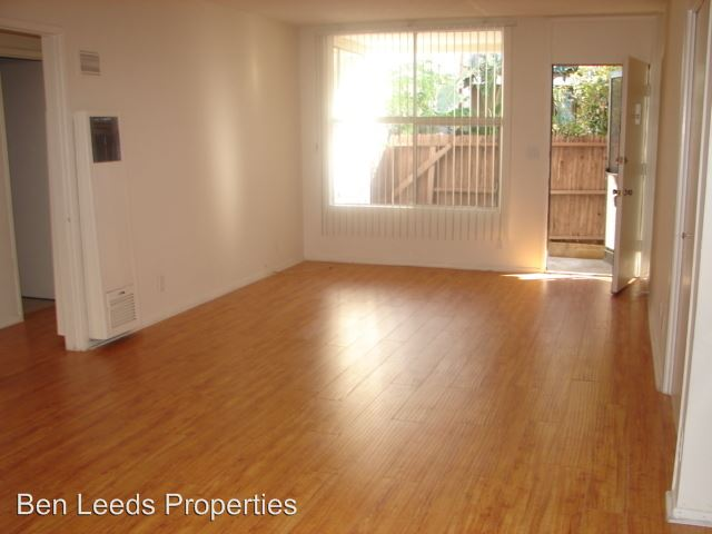 1 Bedroom 1 Bathroom Apartment for rent at 7351 Variel Ave. in Canoga Park, CA