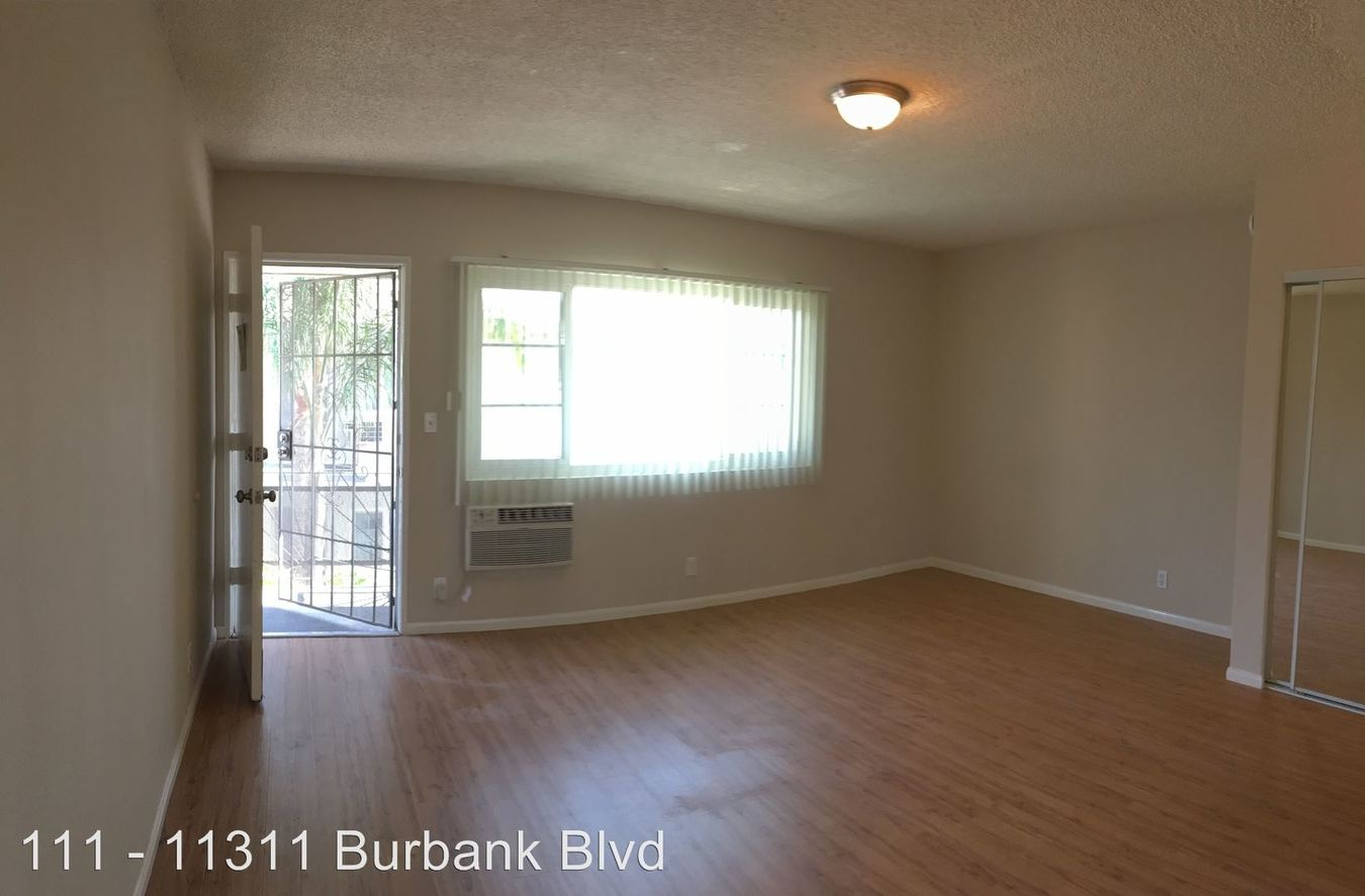 Studio 1 Bathroom Apartment for rent at 5716 Tujunga Ave. in North Hollywood, CA