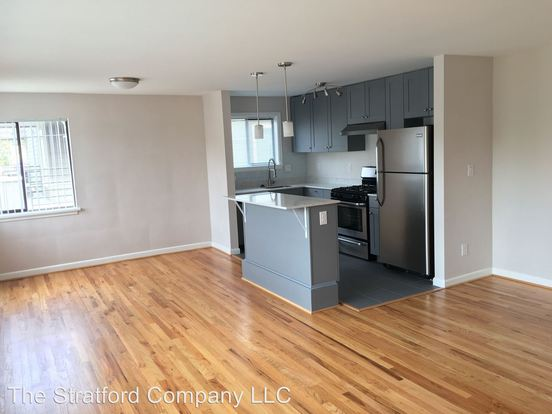 2 Bedrooms 1 Bathroom Apartment for rent at 1418 2nd Ave W in Seattle, WA
