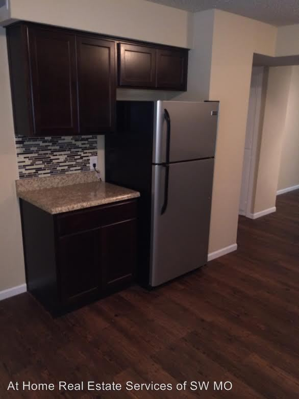 2 Bedrooms 1 Bathroom Apartment for rent at 1400 S Campbell in Springfield, MO