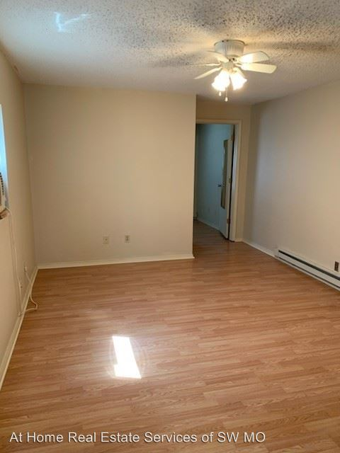 1 Bedroom 1 Bathroom Apartment for rent at 523 E Pacific in Springfield, MO