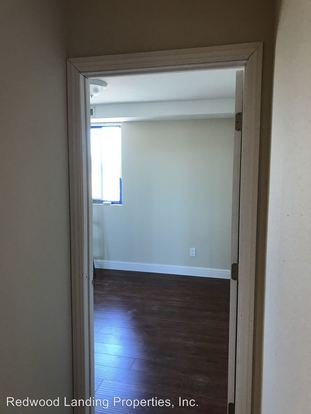 2 Bedrooms 1 Bathroom Apartment for rent at 3166 Rolison Road in Redwood City, CA