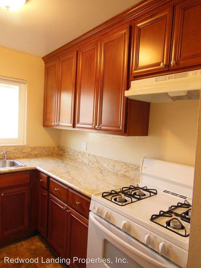 2 Bedrooms 1 Bathroom Apartment for rent at 1102 Henderson Avenue in Menlo Park, CA
