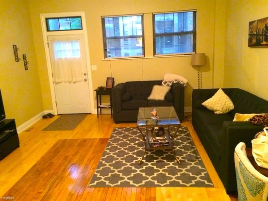 3 Bedrooms 3 Bathrooms Apartment for rent at 2144 W Potomac Ave in Chicago, IL
