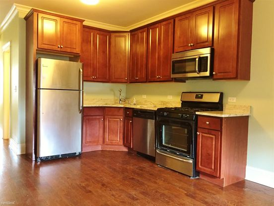 3 Bedrooms 2 Bathrooms Apartment for rent at 3051 N Kimball Ave in Chicago, IL