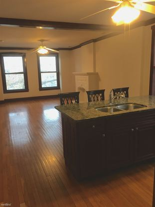 3 Bedrooms 2 Bathrooms Apartment for rent at 2236 N Kenmore Ave in Chicago, IL