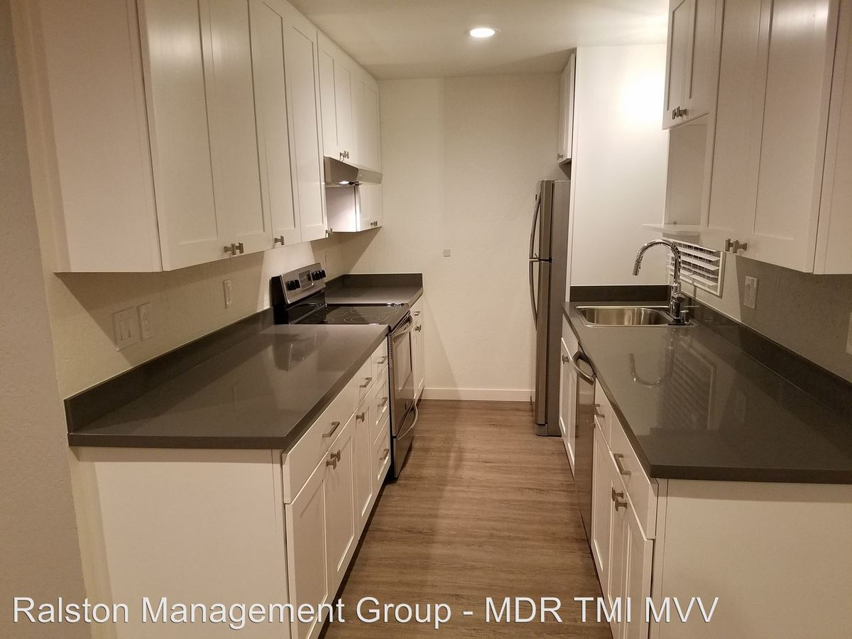2 Bedrooms 1 Bathroom Apartment for rent at 914 Mountain View Avenue in Mountain View, CA