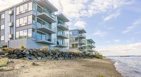 Similar Apartment at 3053 Alki Ave Sw,