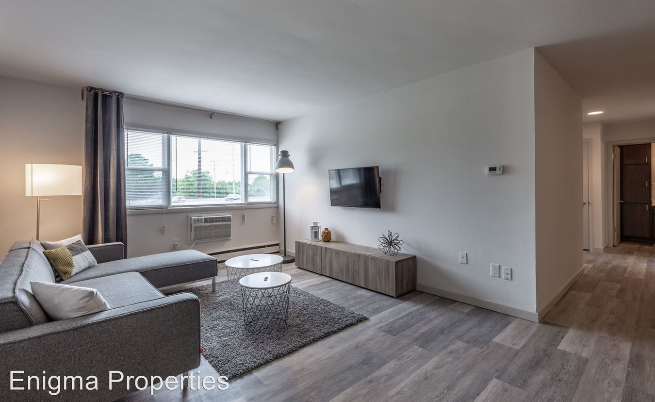 2 Bedrooms 1 Bathroom Apartment for rent at 2867 S. Kinnickinnic Ave. in Milwaukee, WI
