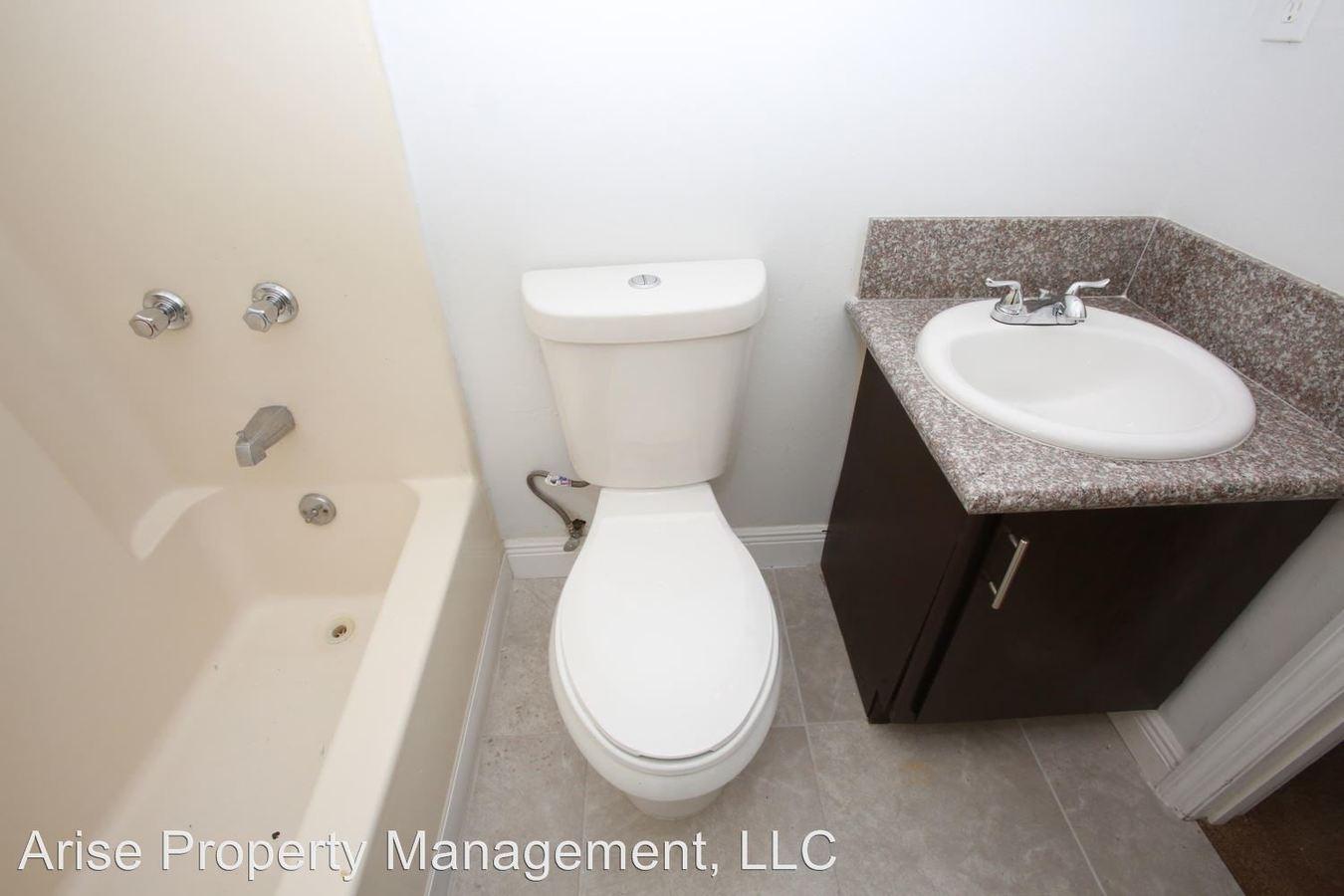 2 Bedrooms 1 Bathroom Apartment for rent at 1175 Bentley Road in Leesburg, FL