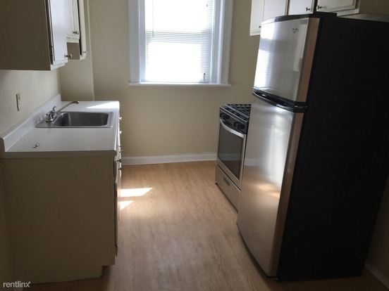 2 Bedrooms 1 Bathroom Apartment for rent at 1500 Fallowfield Ave in Pittsburgh, PA