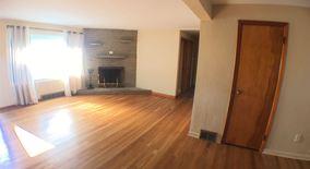 Similar Apartment at 1092 Greentree Rd