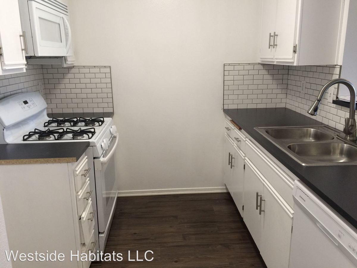 2 Bedrooms 2 Bathrooms Apartment for rent at 845 S. Kingsley Dr. in Los Angeles, CA