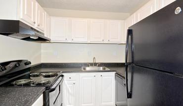 Abbots Glen Apartment for rent in Norcross, GA