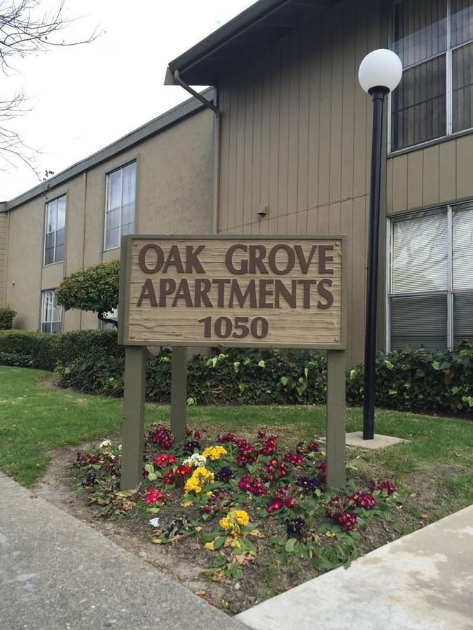 2 Bedrooms 1 Bathroom Apartment for rent at 1050 Oak Grove Rd in Concord, CA