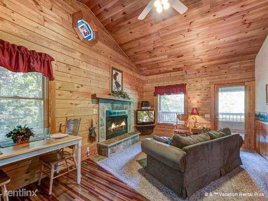 1 Bedroom 1 Bathroom House for rent at 1149 Ogle Hills Road in Gatlinburg, TN