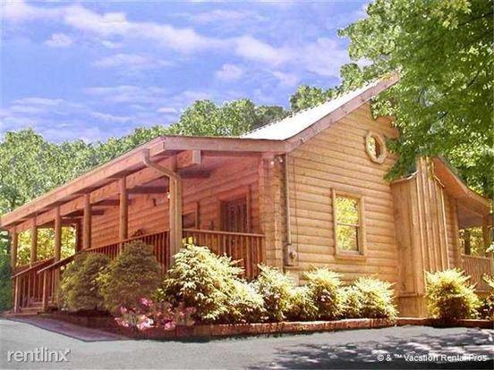 1 Bedroom 1 Bathroom House for rent at 1165 Ogle Hills Road in Gatlinburg, TN