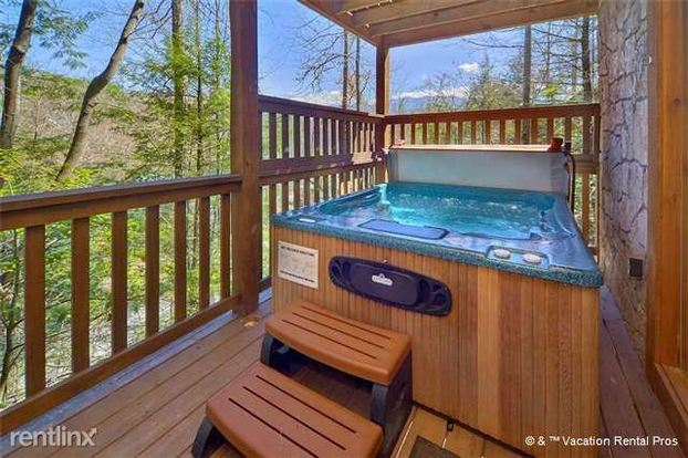 3 Bedrooms 3 Bathrooms House for rent at 754 Yona Trail Way in Gatlinburg, TN