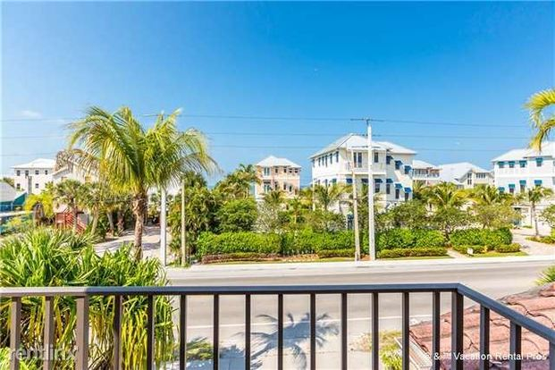 3 Bedrooms 3 Bathrooms House for rent at Casa Bella A, 3 Bedrooms, Sleeps 8 in Ft Myers Beach, FL