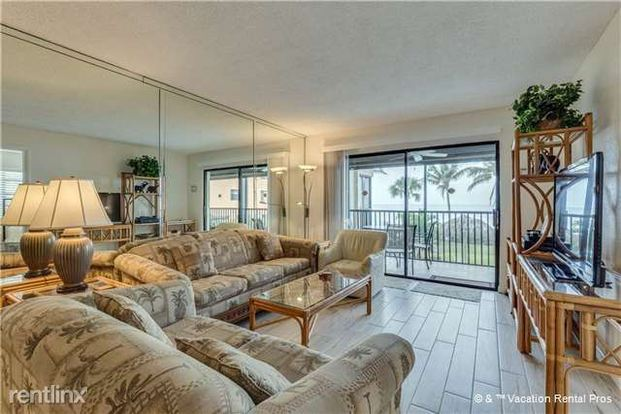 2 Bedrooms 1 Bathroom House for rent at Villa Del Mar 203, 2 Bedrooms, Gulf Front, Elevator, Heated Pool, Sleeps 5 in Fort Myers Beach, FL