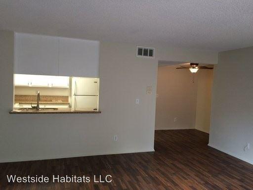 2 Bedrooms 2 Bathrooms Apartment for rent at 5104 Sepulveda Blvd. in Sherman Oaks, CA