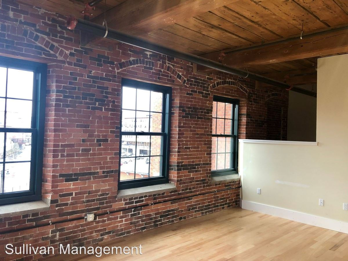 Studio 1 Bathroom Apartment for rent at 100 Main Street in Saco, ME
