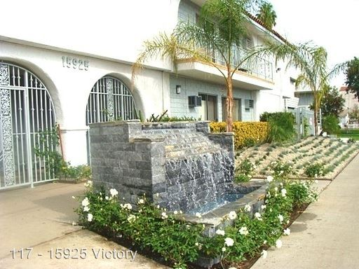 1 Bedroom 1 Bathroom Apartment for rent at 15925 Victory Blvd. in Van Nuys, CA