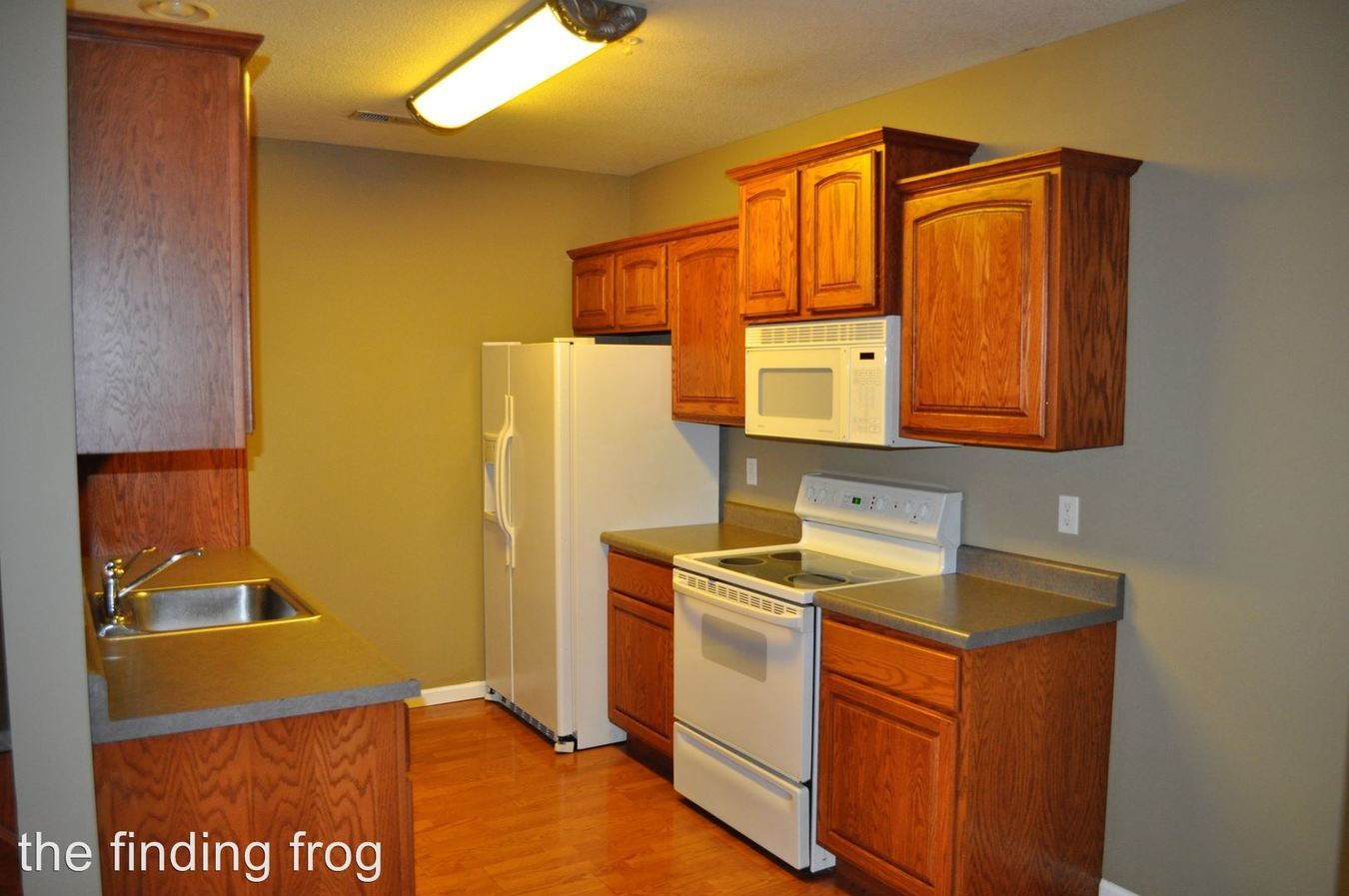 3 Bedrooms 2 Bathrooms Apartment for rent at 1403 Wilson Avenue in Columbia, MO