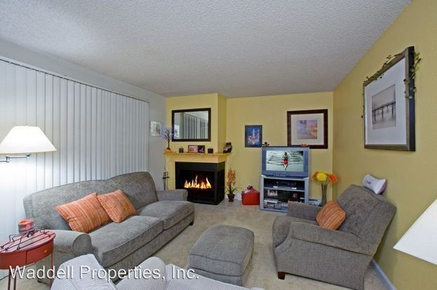 2 Bedrooms 1 Bathroom Apartment for rent at 6719 106th Ave Ne in Kirkland, WA