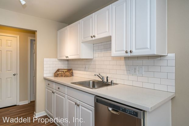 2 Bedrooms 2 Bathrooms Apartment for rent at 10212, 10304, 10120, 10206, 10116 Ne 68th St in Kirkland, WA