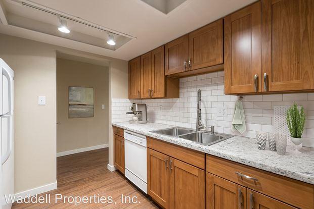 2 Bedrooms 1 Bathroom Apartment for rent at 907 Aberdeen Ave Ne in Renton, WA