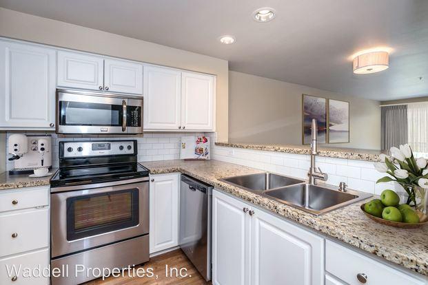 2 Bedrooms 2 Bathrooms Apartment for rent at 431 Kirkland Ave in Kirkland, WA