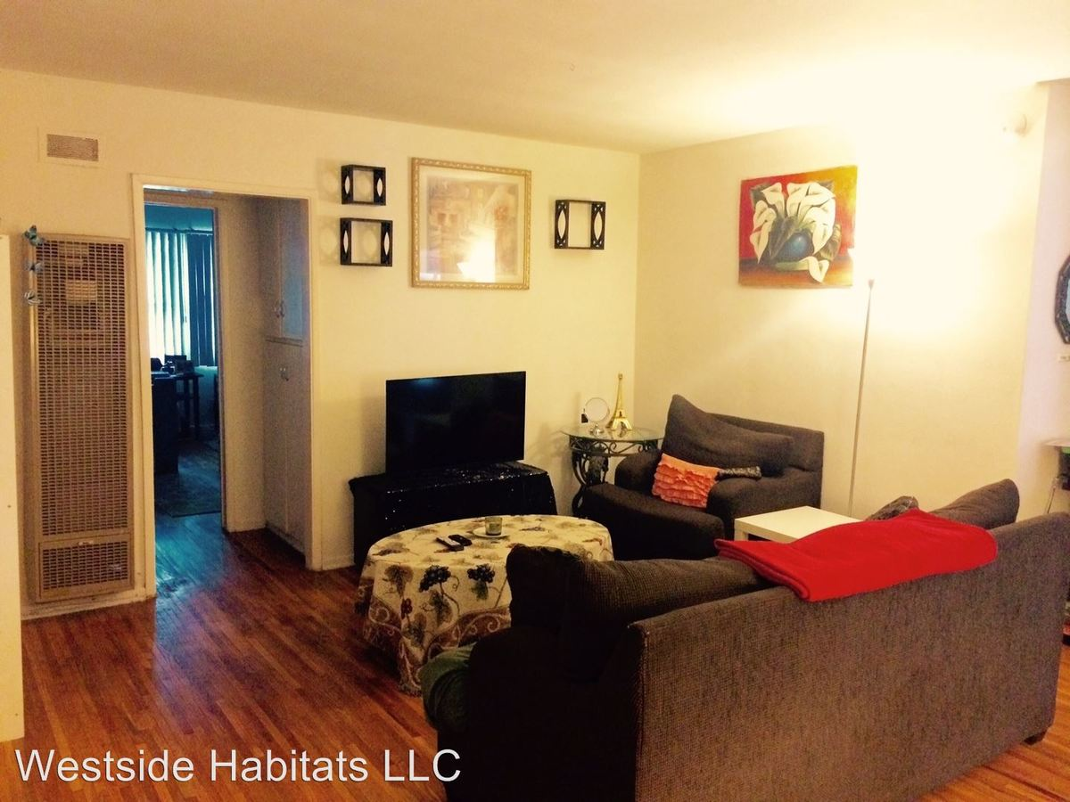 2 Bedrooms 1 Bathroom Apartment for rent at 652 Veteran Ave in Los Angeles, CA