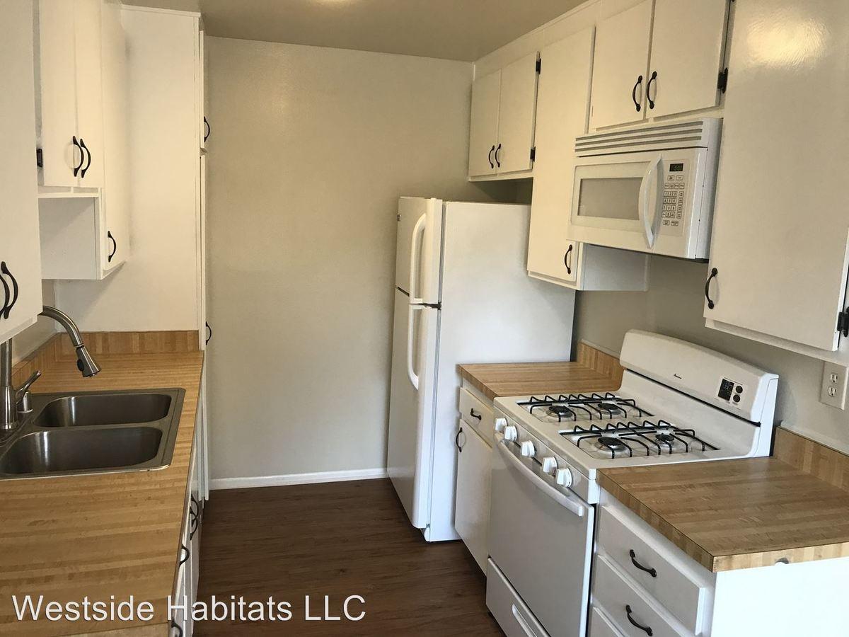 3 Bedrooms 2 Bathrooms Apartment for rent at 2750 Piedmont Avenue in Montrose, CA