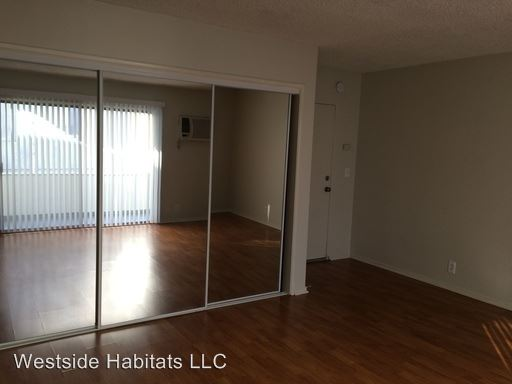 Studio 1 Bathroom Apartment for rent at 15286 Sutton St in Sherman Oaks, CA