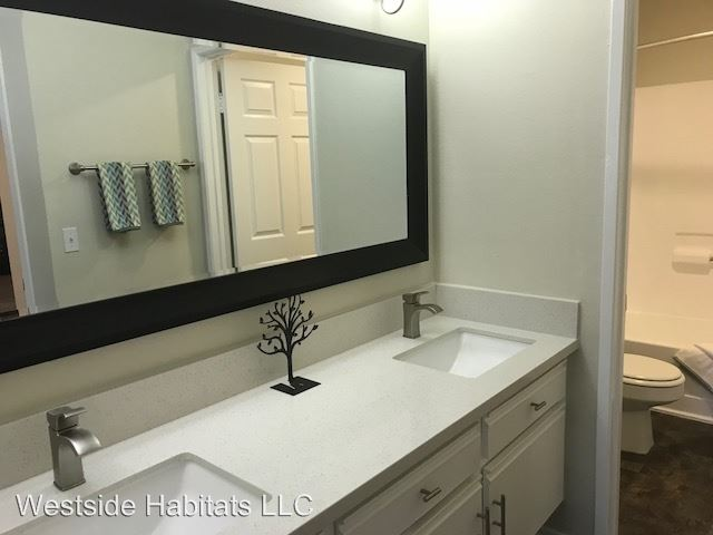 2 Bedrooms 2 Bathrooms Apartment for rent at 5235 Kester Ave. in Sherman Oaks, CA