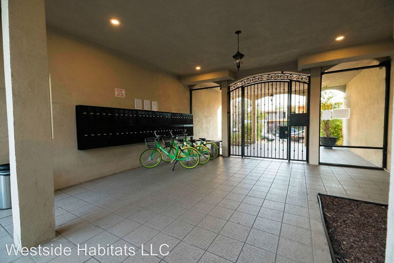 2 Bedrooms 2 Bathrooms Apartment for rent at 18411 Vincennes St in Northridge, CA