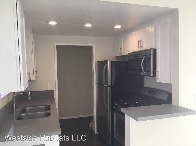 1 Bedroom 1 Bathroom Apartment for rent at 110 S. Sweetzer Ave in Los Angeles, CA