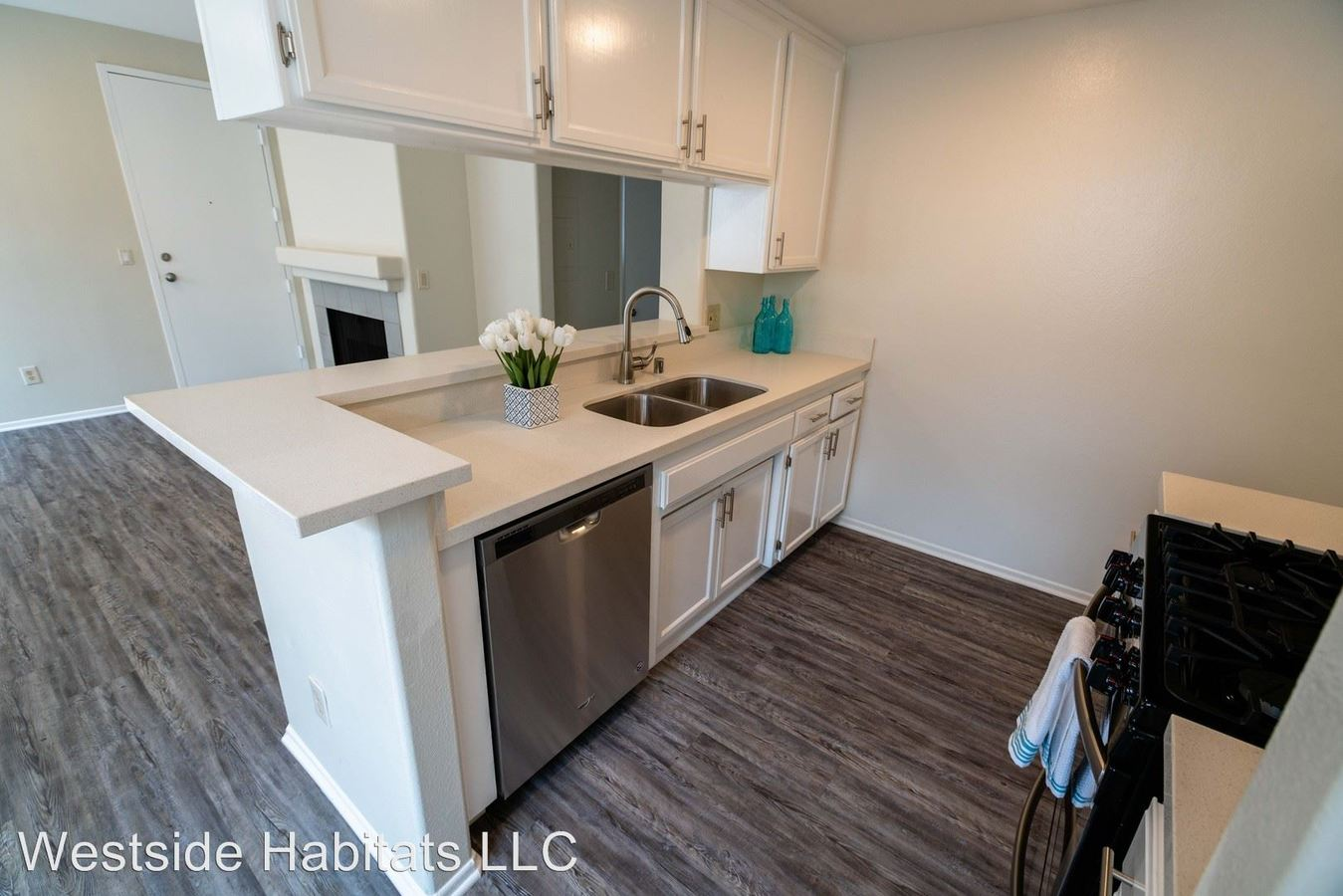 2 Bedrooms 2 Bathrooms Apartment for rent at 520 N Hollywood Way in Burbank, CA