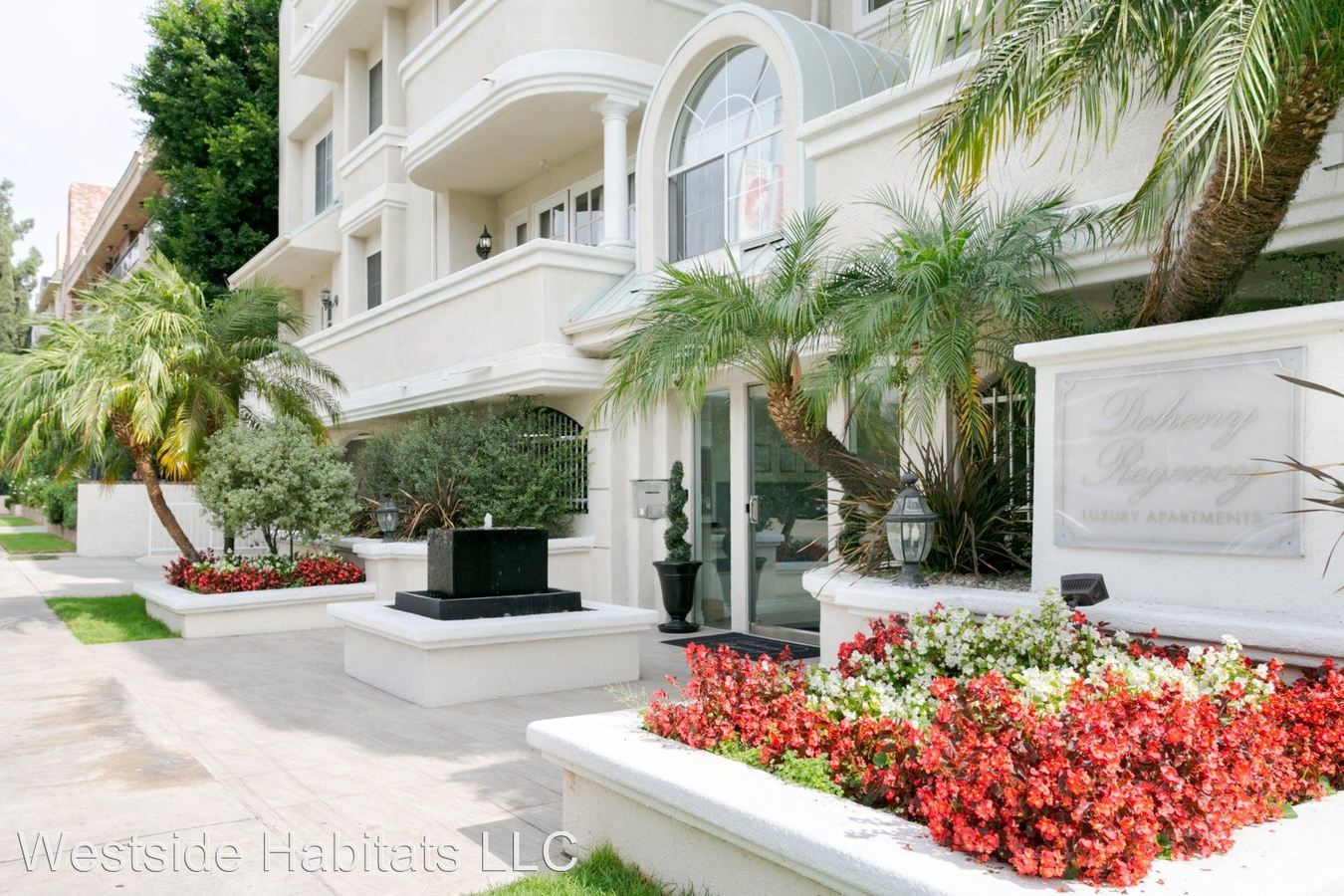 2 Bedrooms 2 Bathrooms Apartment for rent at 114 N. Doheny Drive in Los Angeles, CA