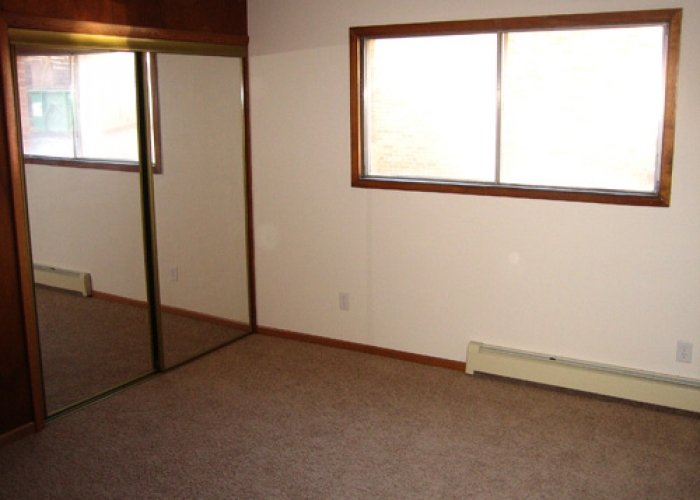2 Bedrooms 1 Bathroom Apartment for rent at 4244-4250 Lumley Rd in Madison, WI