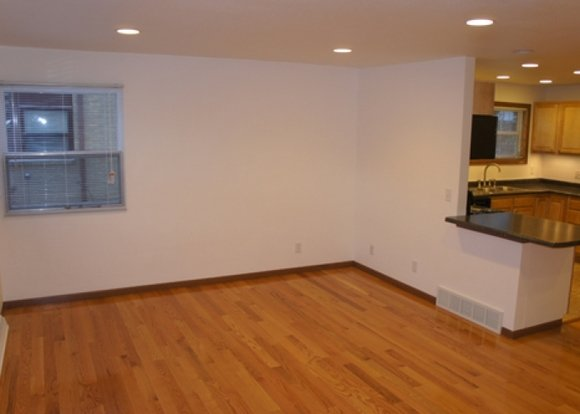 2 Bedrooms 1 Bathroom Apartment for rent at 505 N Midvale Blvd in Madison, WI