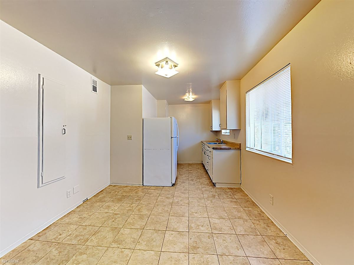 3 Bedrooms 2 Bathrooms Apartment for rent at 529 S 10th St Apt 7 in San Jose, CA